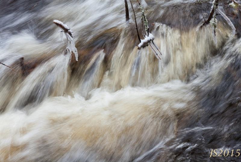 Veden vauhtia