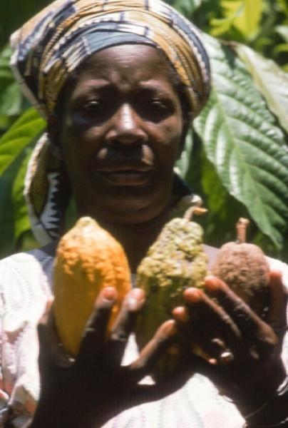 kaakaonviljelijä mama Tansaniasta.jpg